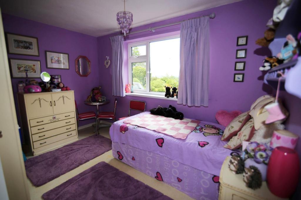 Bedroom 2 RT.jpg