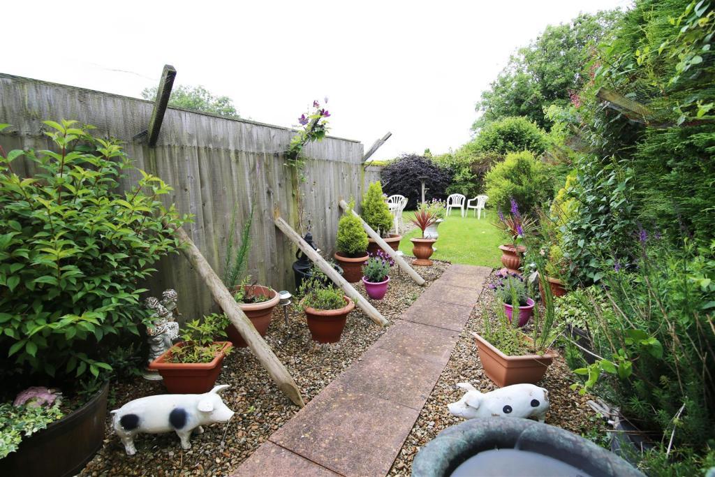 Garden 1 RT.jpg