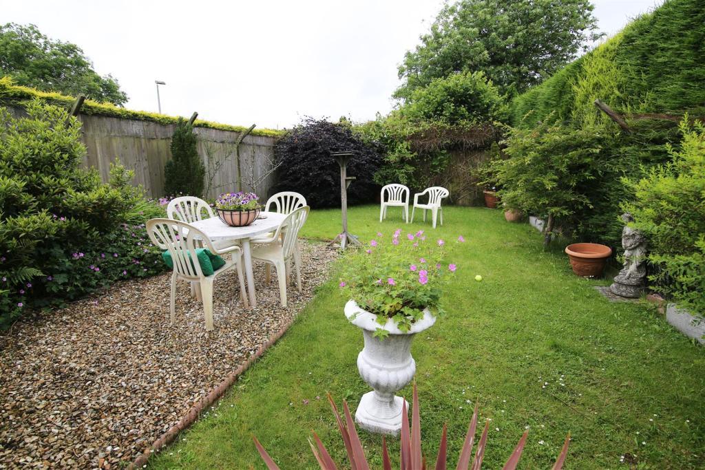 garden 2 RT.jpg