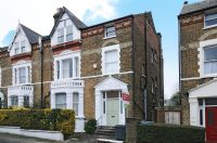 2 bed Apartment in Exeter Road, London, NW2