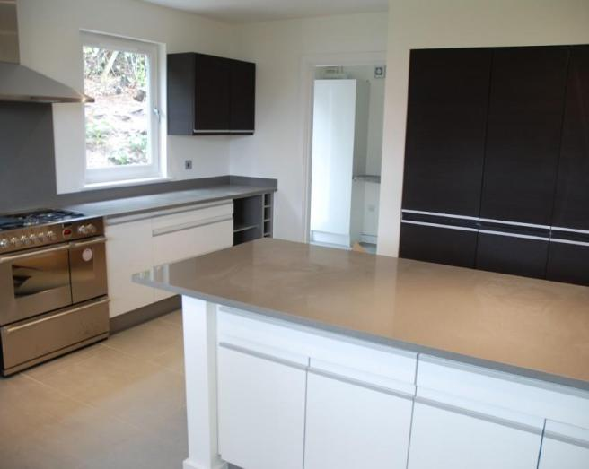 Corian design ideas photos inspiration rightmove home for Grey kitchen white worktop