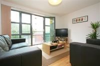 2 bed Flat to rent in Baron House, Collierswood