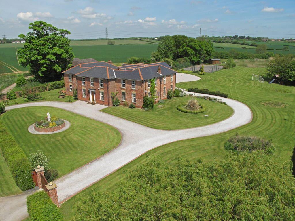 6 Bedroom Detached House For Sale In Bentley Lane Beverley East Yorkshire Hu17 Hu17