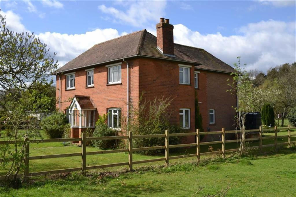 3 bedroom detached house for sale in long grove upper