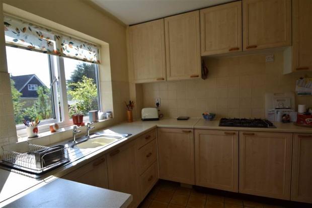 3 bedroom link detached house for sale in glendale avenue newbury berkshire rg14 rg14