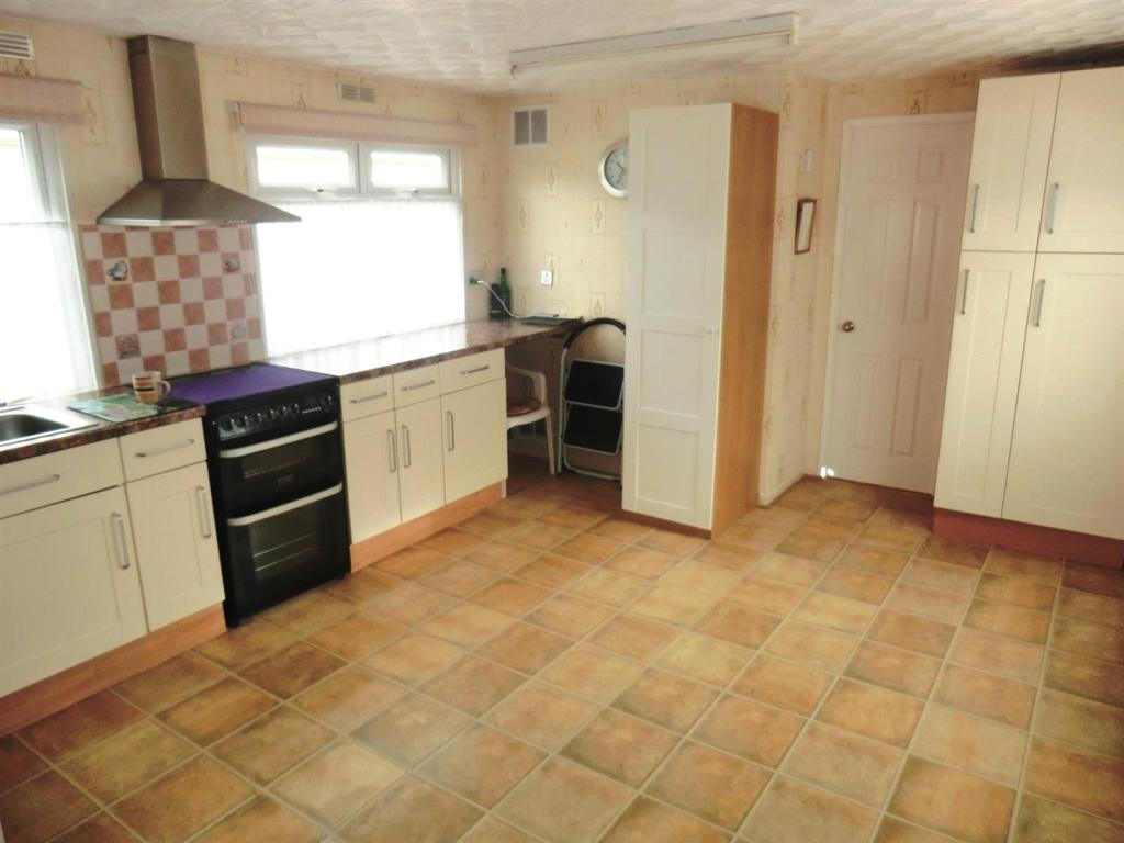 1 Bedroom Park Home For Sale In Cliff Top Park Garforth