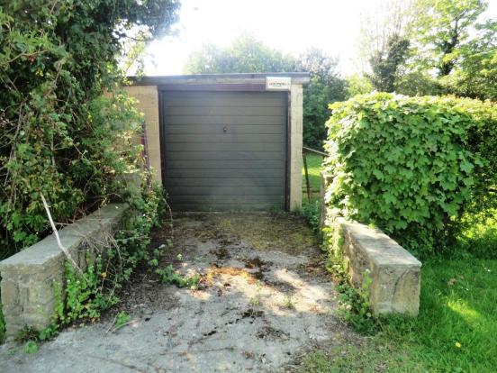 Second Drive & Garag