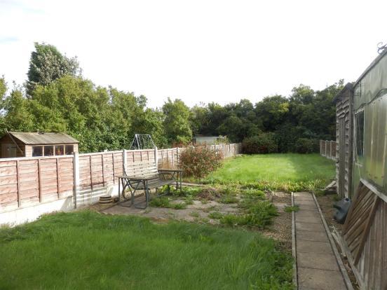 Rear enclosed garden