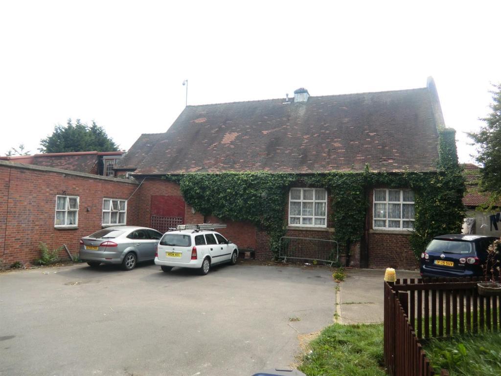 Halton Moor Avenue