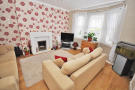 Ground Flat to rent in Crosslet Road, Dumbarton...