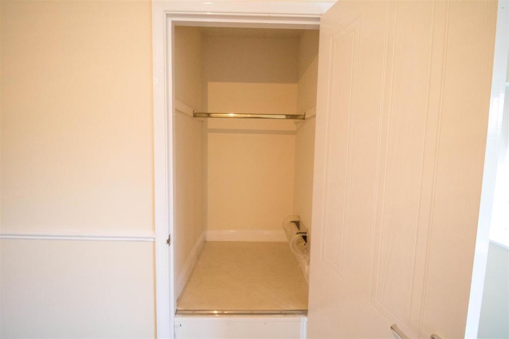 Built in cupboard sp