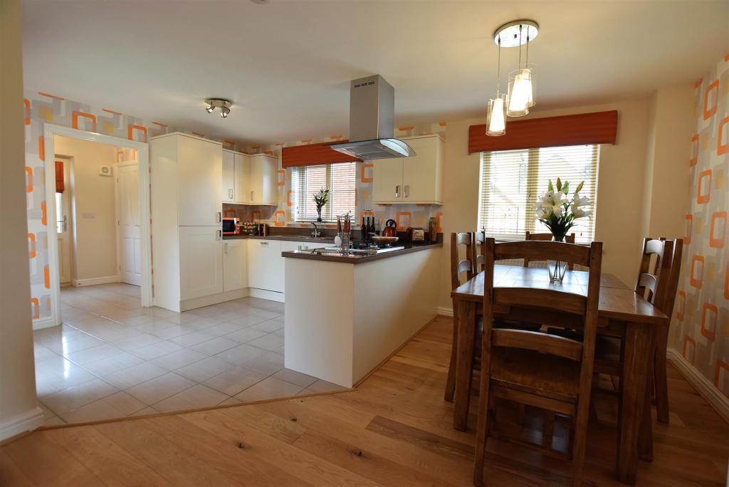 Example Kitchen / Di