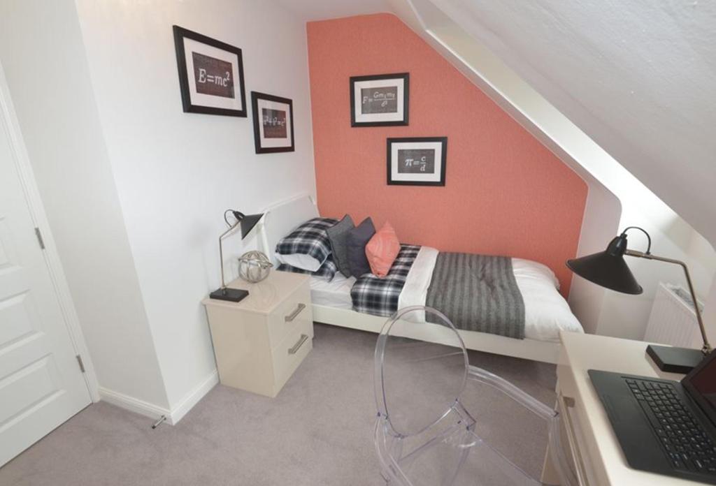 Rochester bedroom