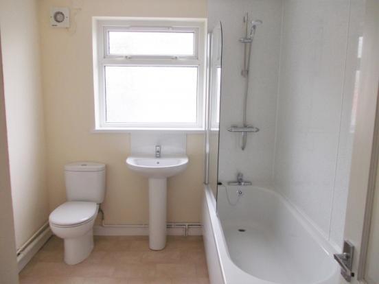 1st Floor Bathroom