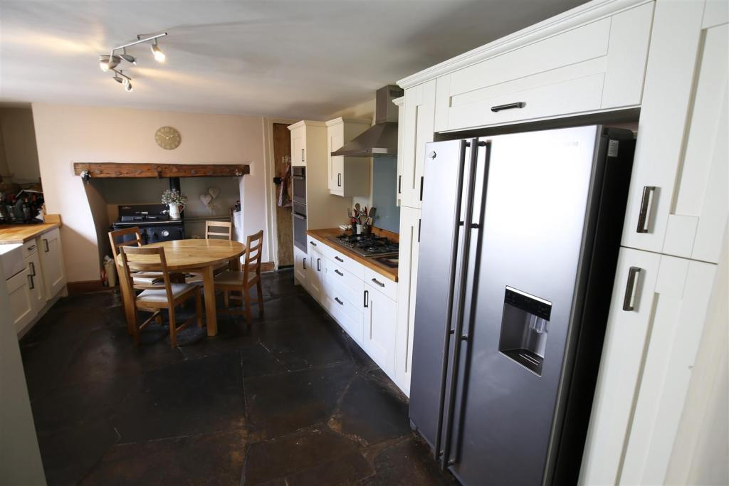 Kitchen/ Breakfast R