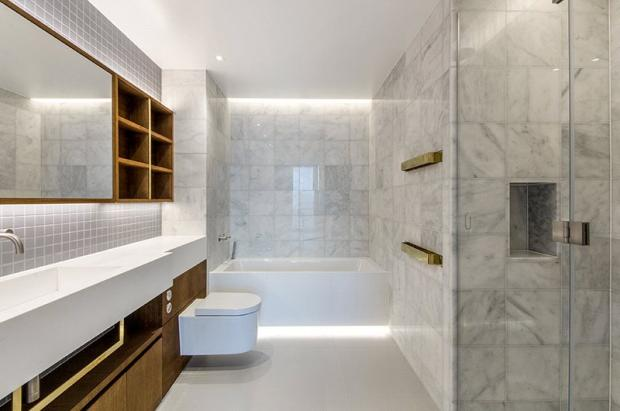 Tapestry: Bathroom