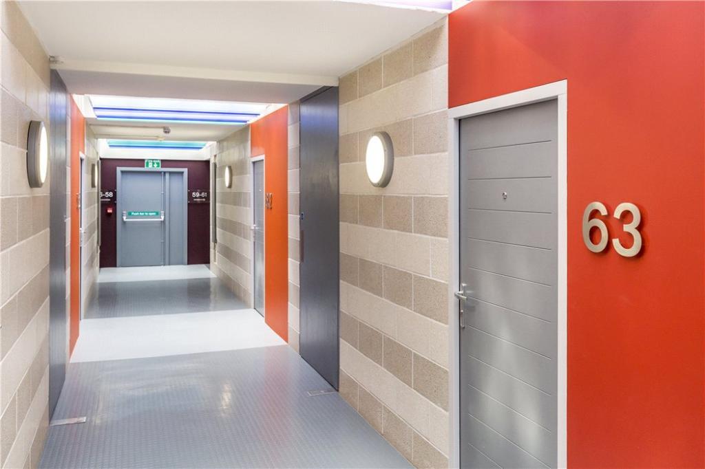 Nw1: Hallway