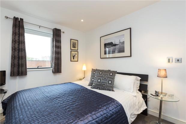 Bedroom, N1