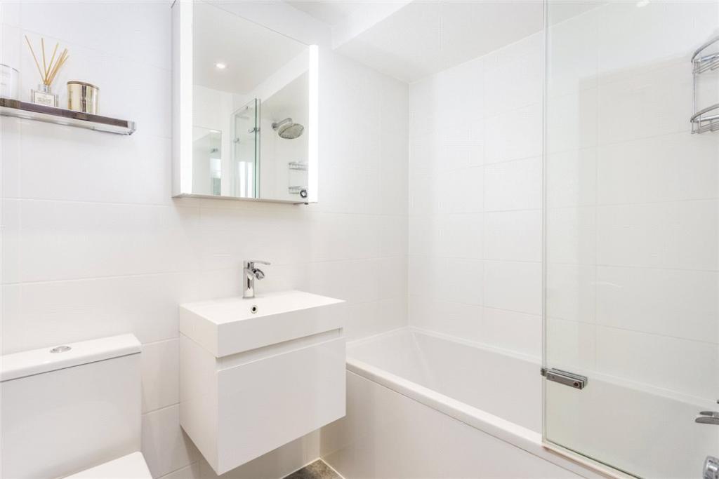 Wc1x: Bathroom