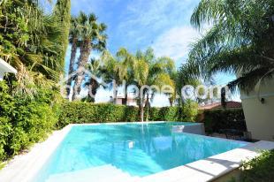 6 bed Villa in Larnaca, Faneromeni
