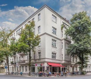 Cafe in Neukolln, Berlin for sale