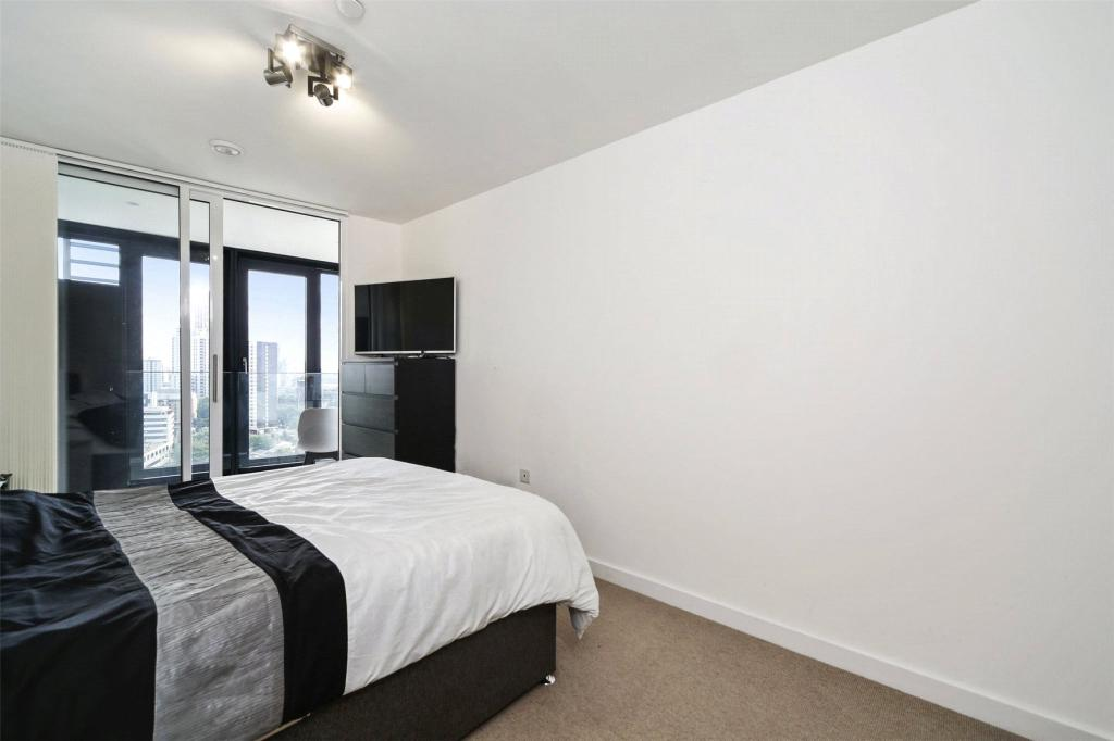 2 Bedroom Apartment To Rent In Unex Tower Stratford Plaza London E15 E15