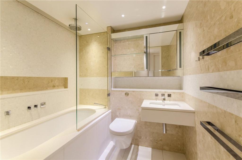 Ec2y: Bathroom