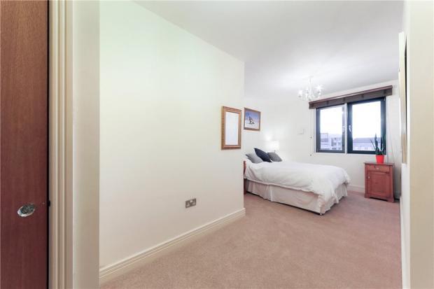 E1 Flat: Bedroom