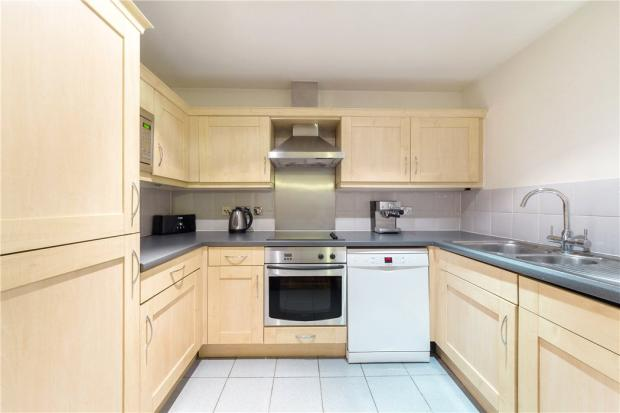 E1 Flat: Kitchen