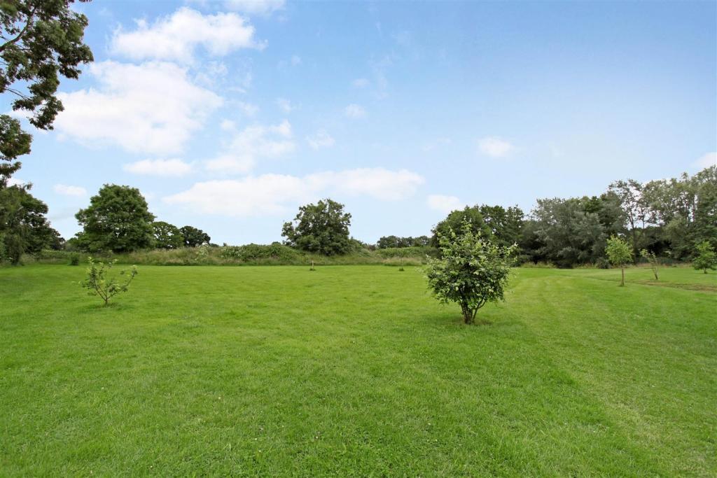Home Farm 169352 (1)