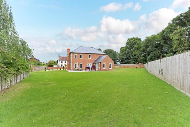 Holland House 171536