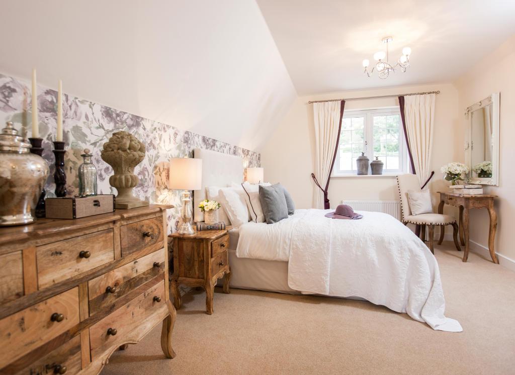 Holnicote_bedroom