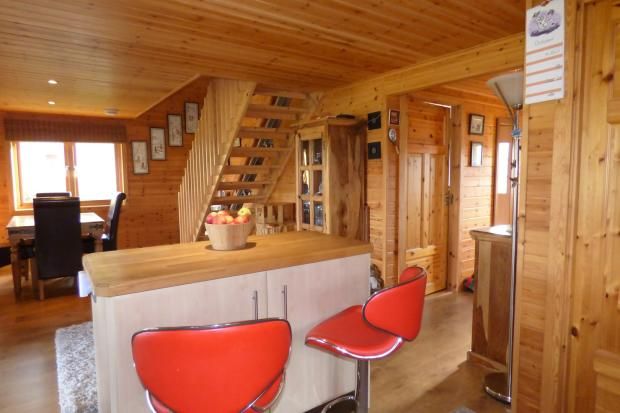 2 bedroom log cabin for sale in fritton great yarmouth for One room log cabin for sale
