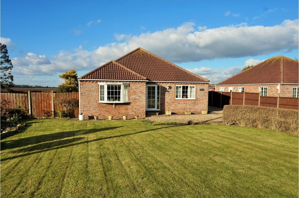 3 Bedroom Detached Bungalow For Sale In Armtree Road Langrick Pe22 Pe22
