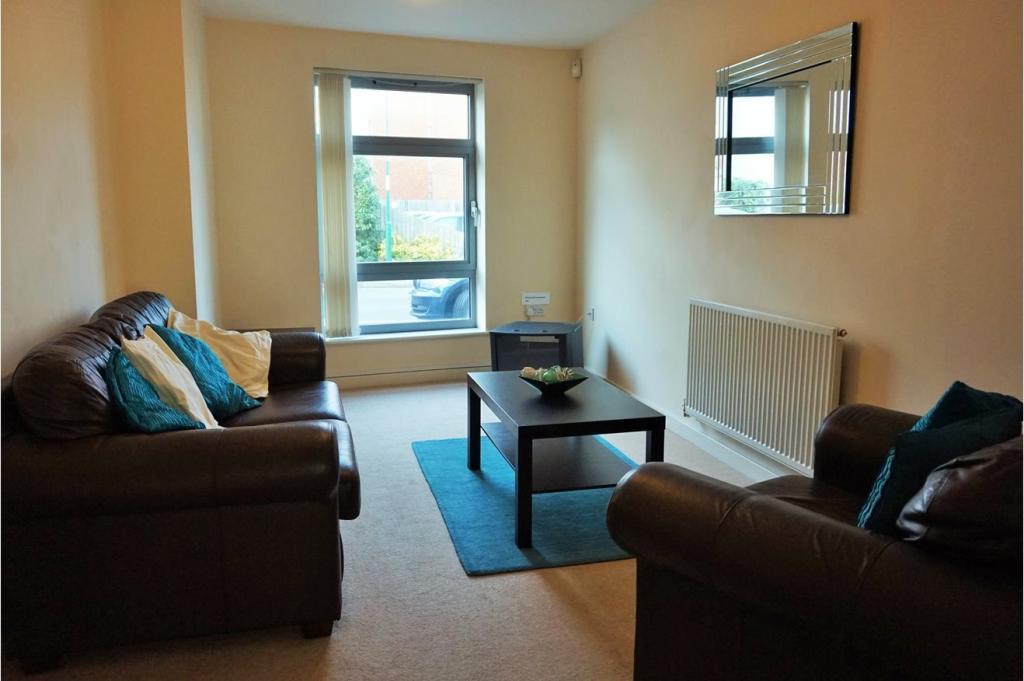 4 bedroom town house for sale in nazareth road nottingham for Living room nottingham