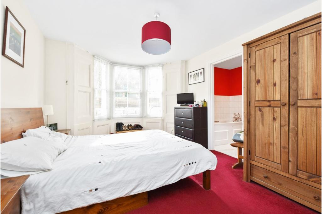 3 Bedroom Flat For Sale In Colvestone Crescent London E8 E8