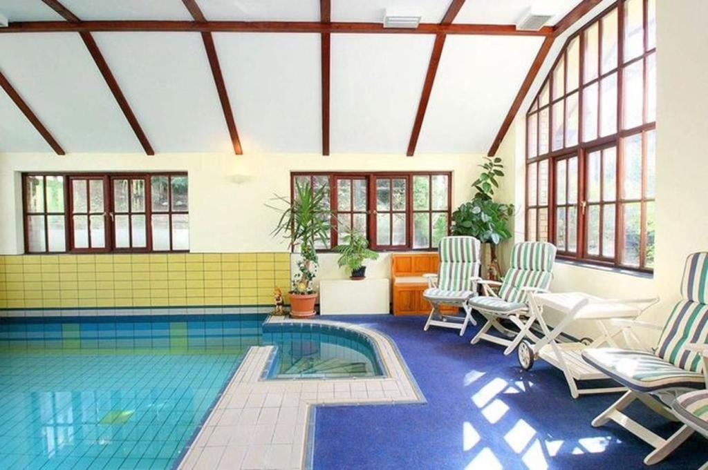 4 Bedroom Detached House For Sale In Rejerrah Newquay Tr8 Tr8