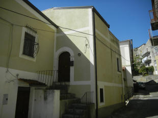 Village House for sale in Santa Domenica Talao...