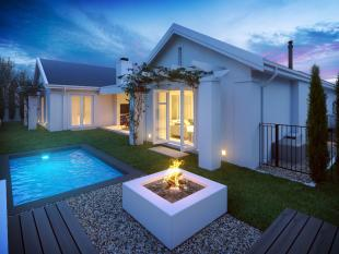 5 bed new house in Franschhoek, Western Cape