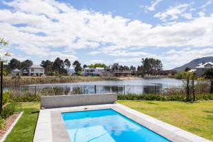 3 bed new house for sale in Franschhoek, Western Cape