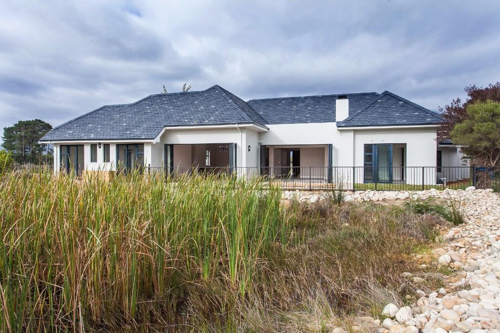 4 bedroom property for sale in Paarl, Western Cape