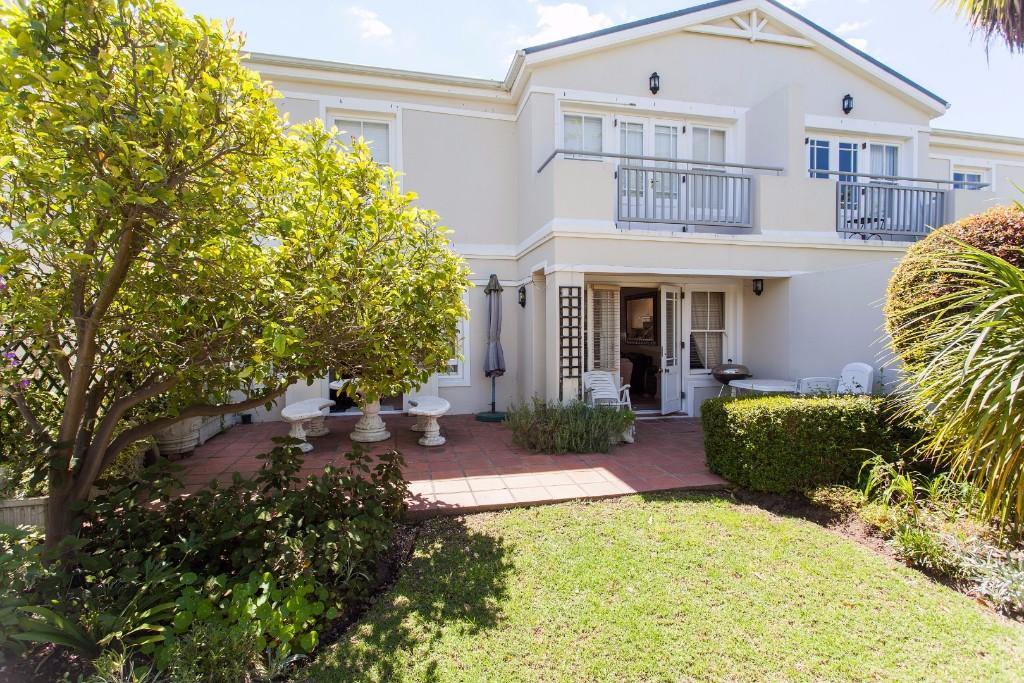 2 bed property for sale in Franschhoek, Western Cape