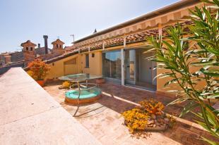 4 bed Cottage in Civitanova Marche...