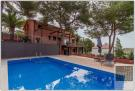 Villa for sale in Catalonia, Barcelona...