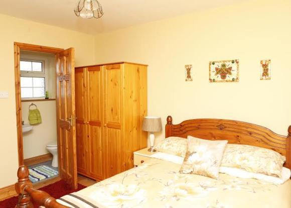 Bedroom 2/ensuite