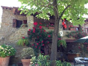 4 bed Country House in Cortona, Arezzo, Tuscany