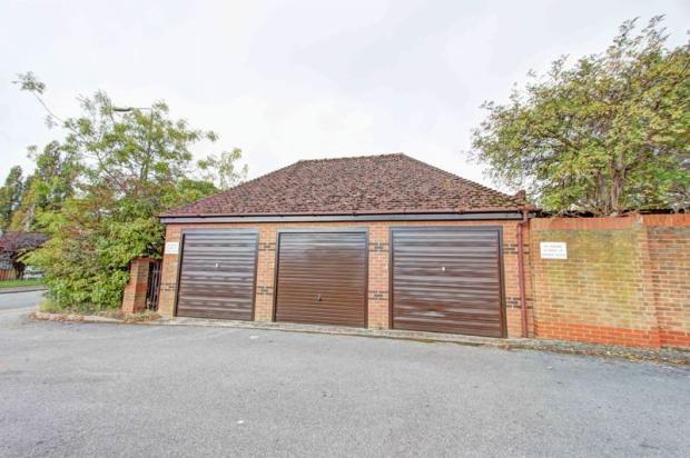 Centre garage