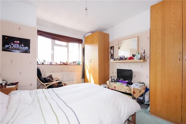 Bedroom)
