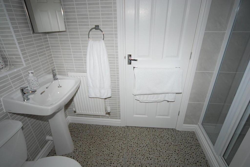 BEDROOM 2 EN-SUIT...