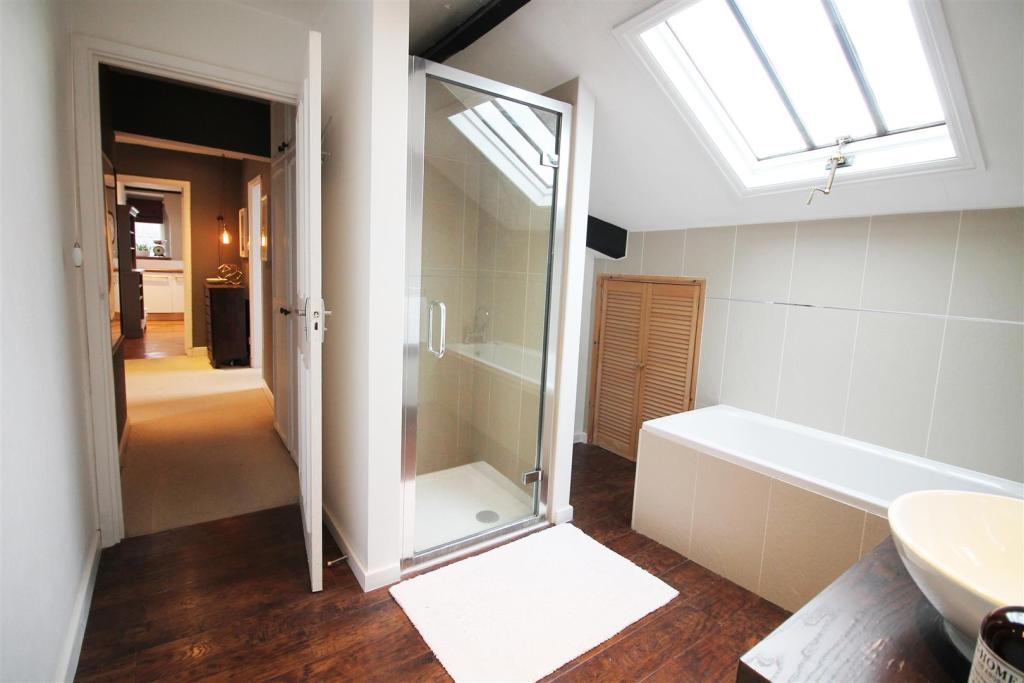 Portland - Bathroom.